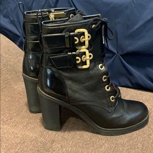 Guess military heeled bootie size 9